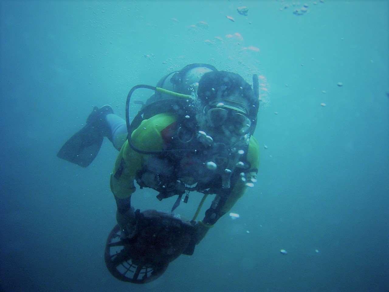水中スクーターSP画像 ・AOWマニュアルまたはSPマニュアル内の選択テーマのナレッジ・リビュ.