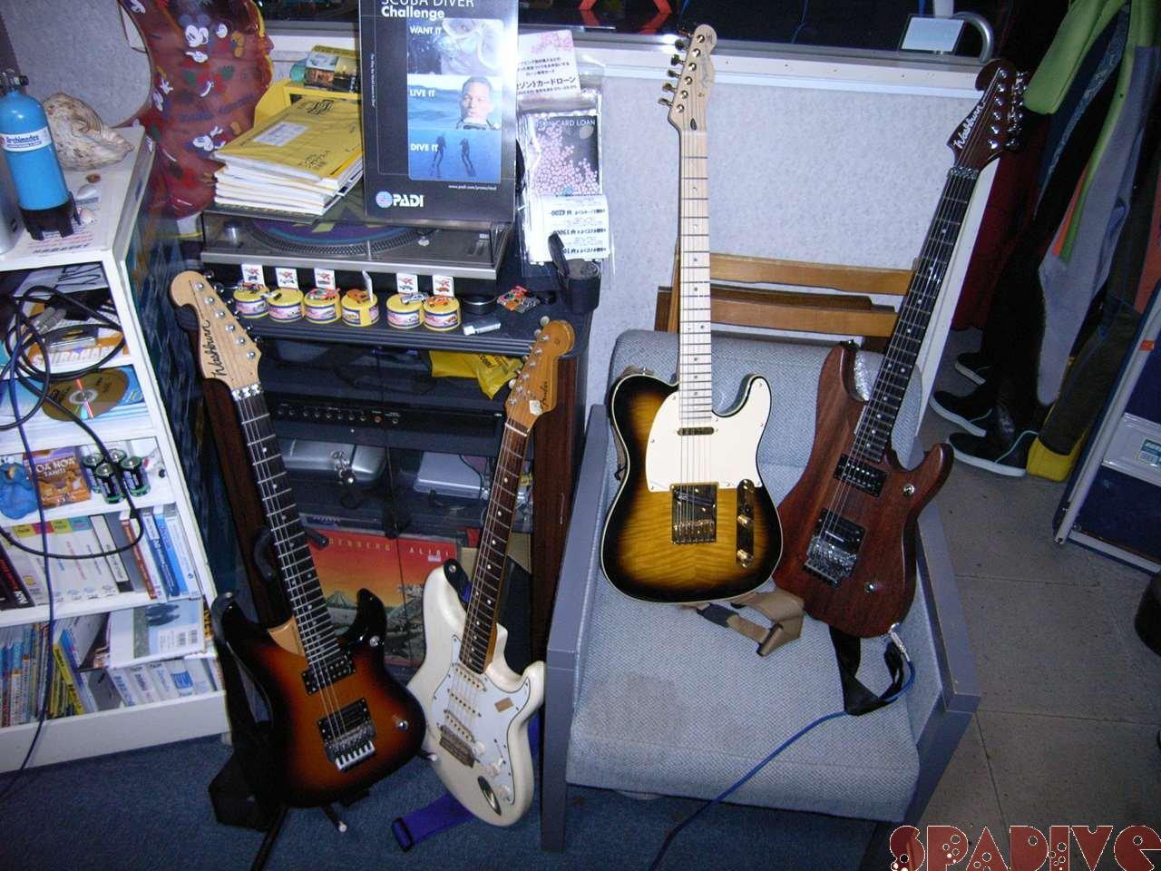 ギターコレクターではないけれど・・・ギター紹介 11/28/2006
