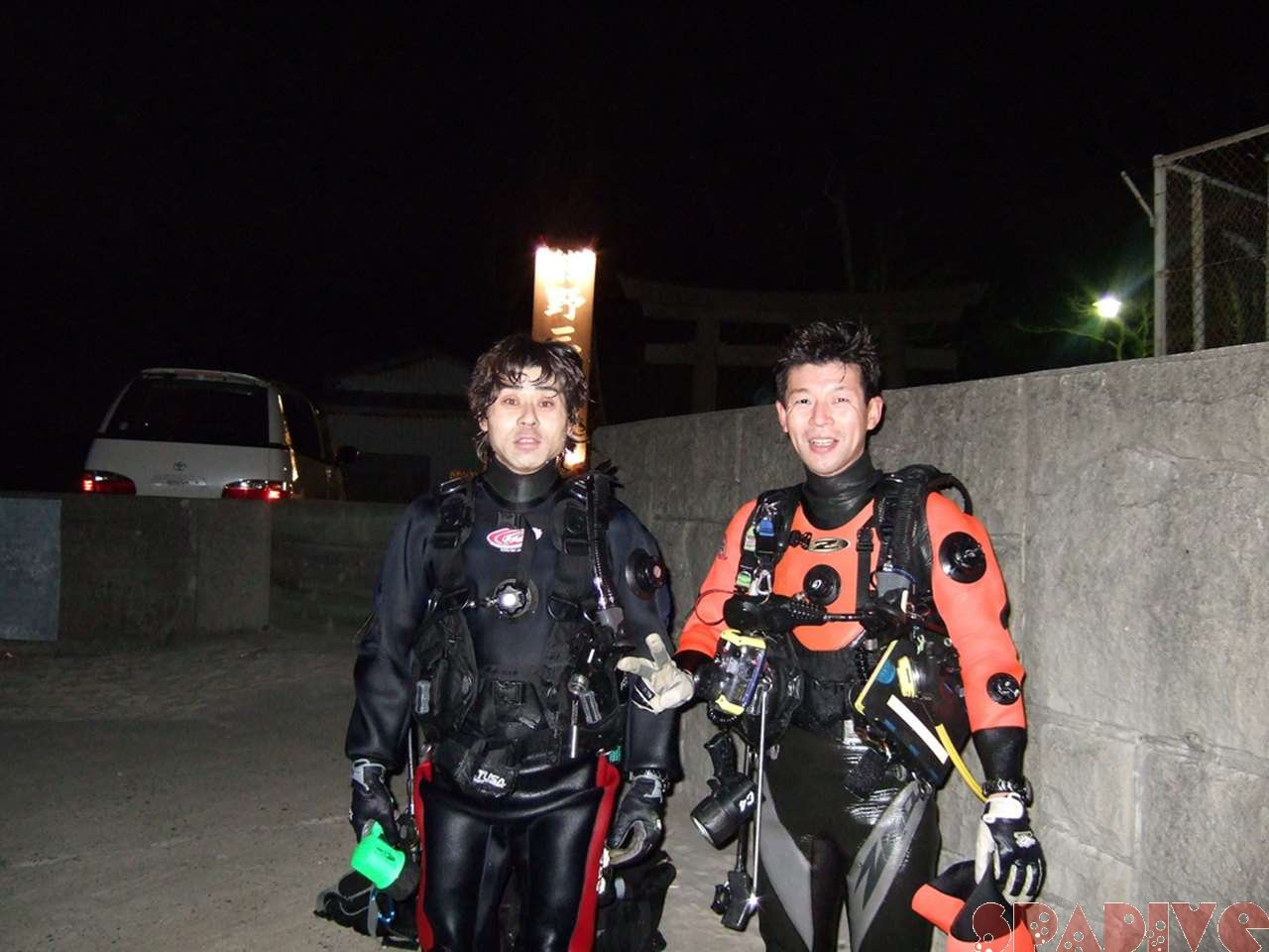 海中で花火観ながらダイビングを終えて|1/1/2007南紀白浜