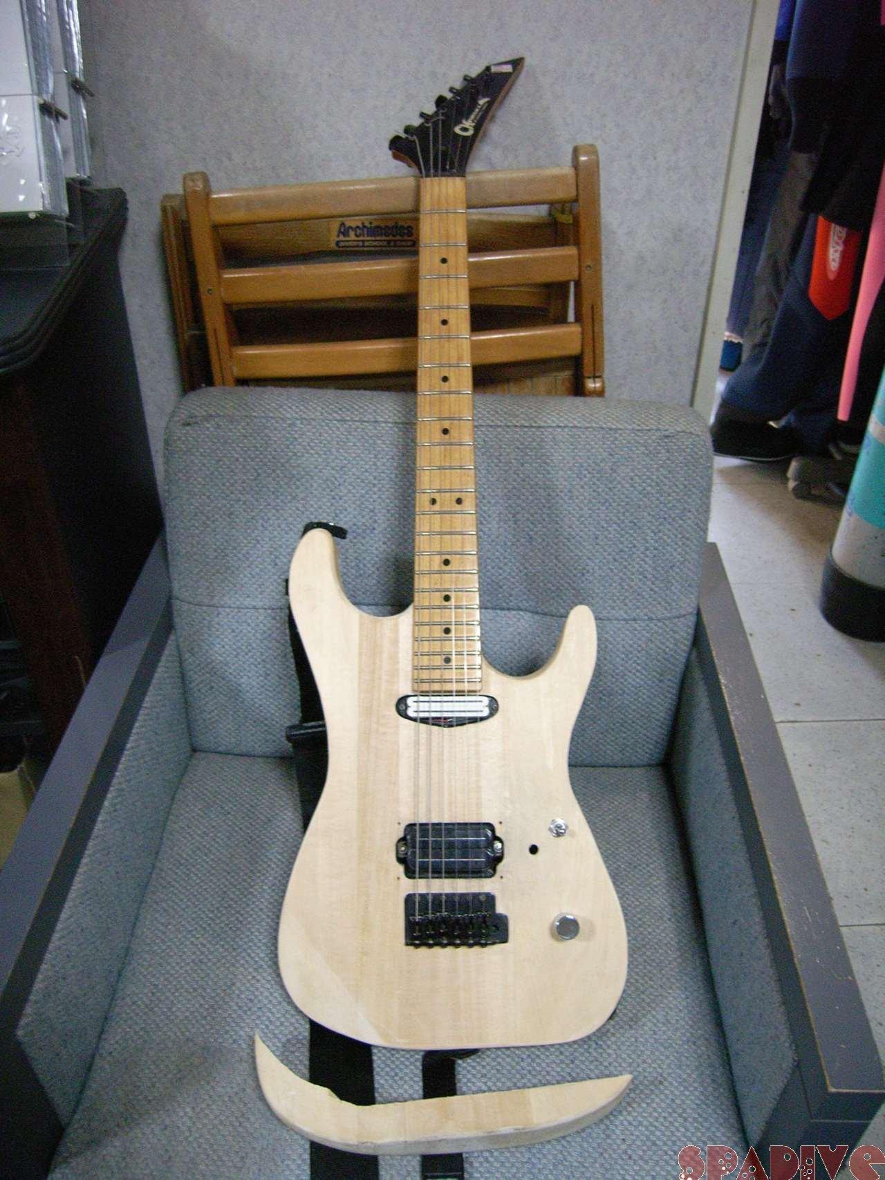 暑い暑い「砂まつり」準備 シャーベルギター改造 5/24/2007