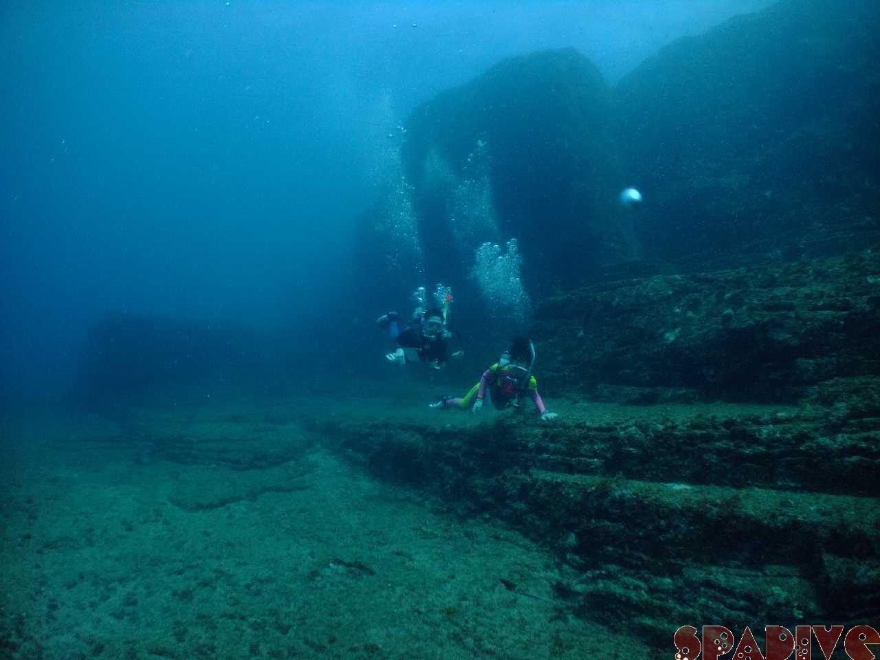 三段壁/沈船AOWアドバンス&体験ダイビング&スノーケリング|8/27/2010