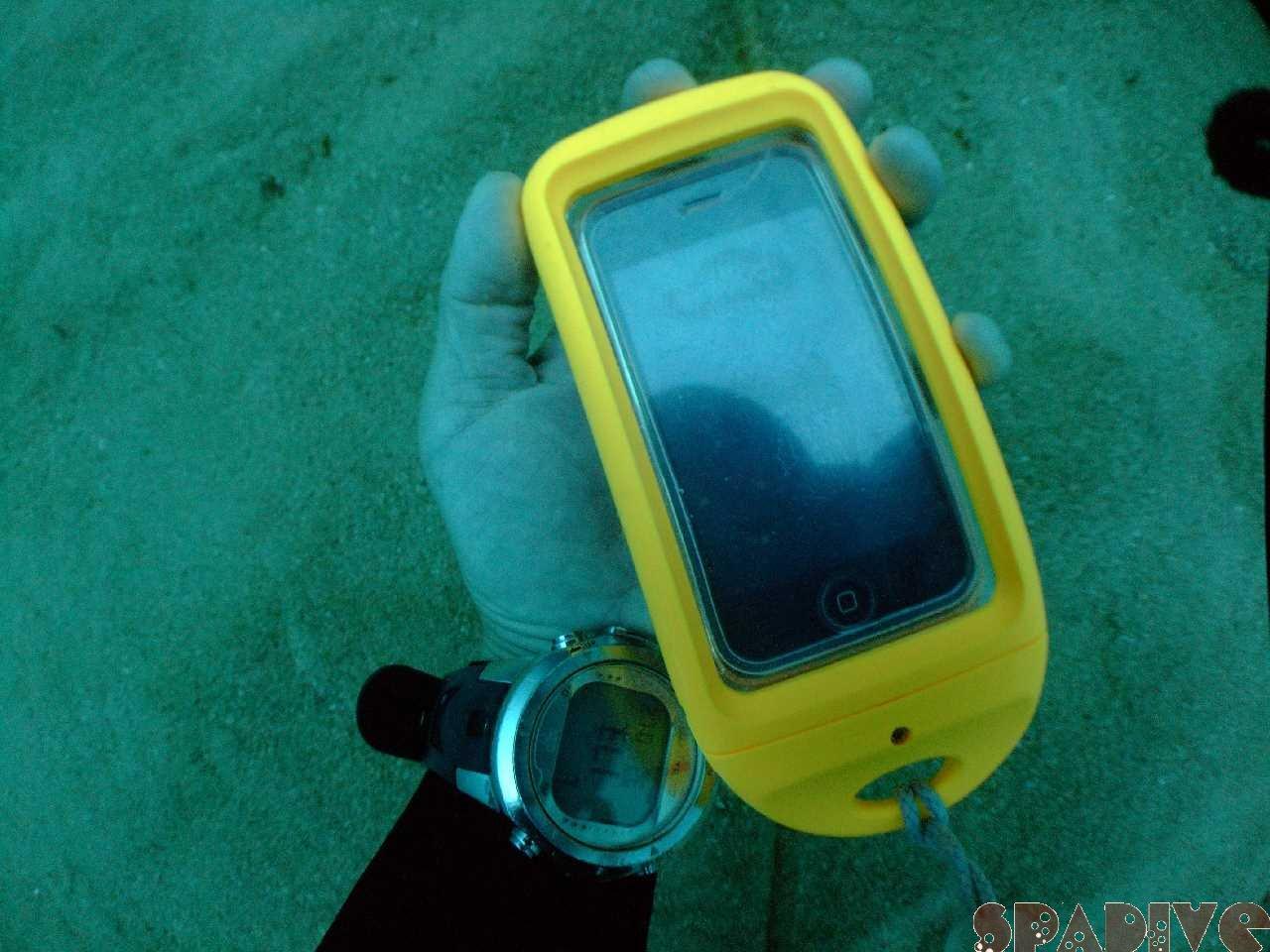 Wアーチ&沈船ダイビング|iPhone潜水深度25.4mテスト|5/25/2012