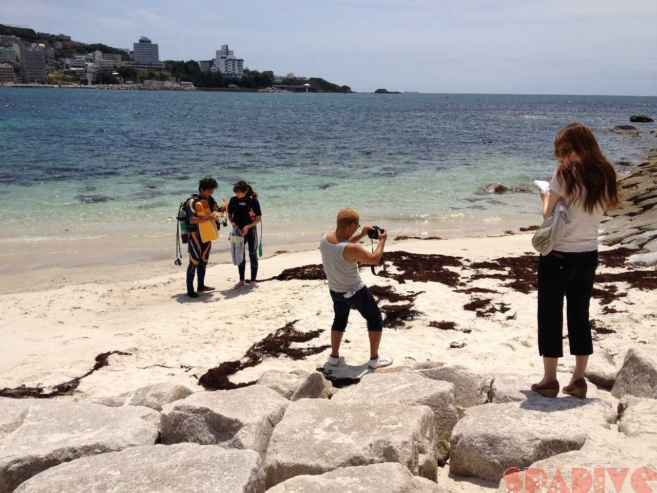 「Lism」誌による体験ダイビングの撮影と取材協力 7/2/2013