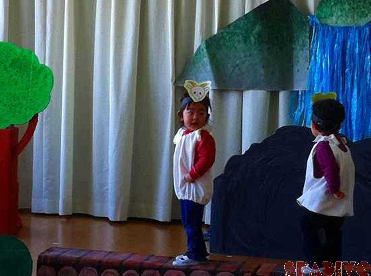 娘のはじめての保育園発表会|2/11/2011