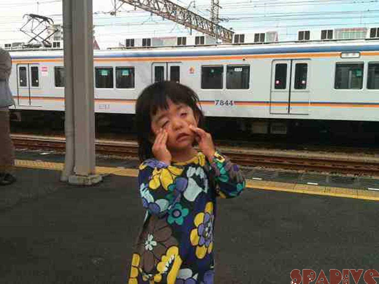 初!!電車に揺られ~♪ガッタンゴットン♪10/25/2011