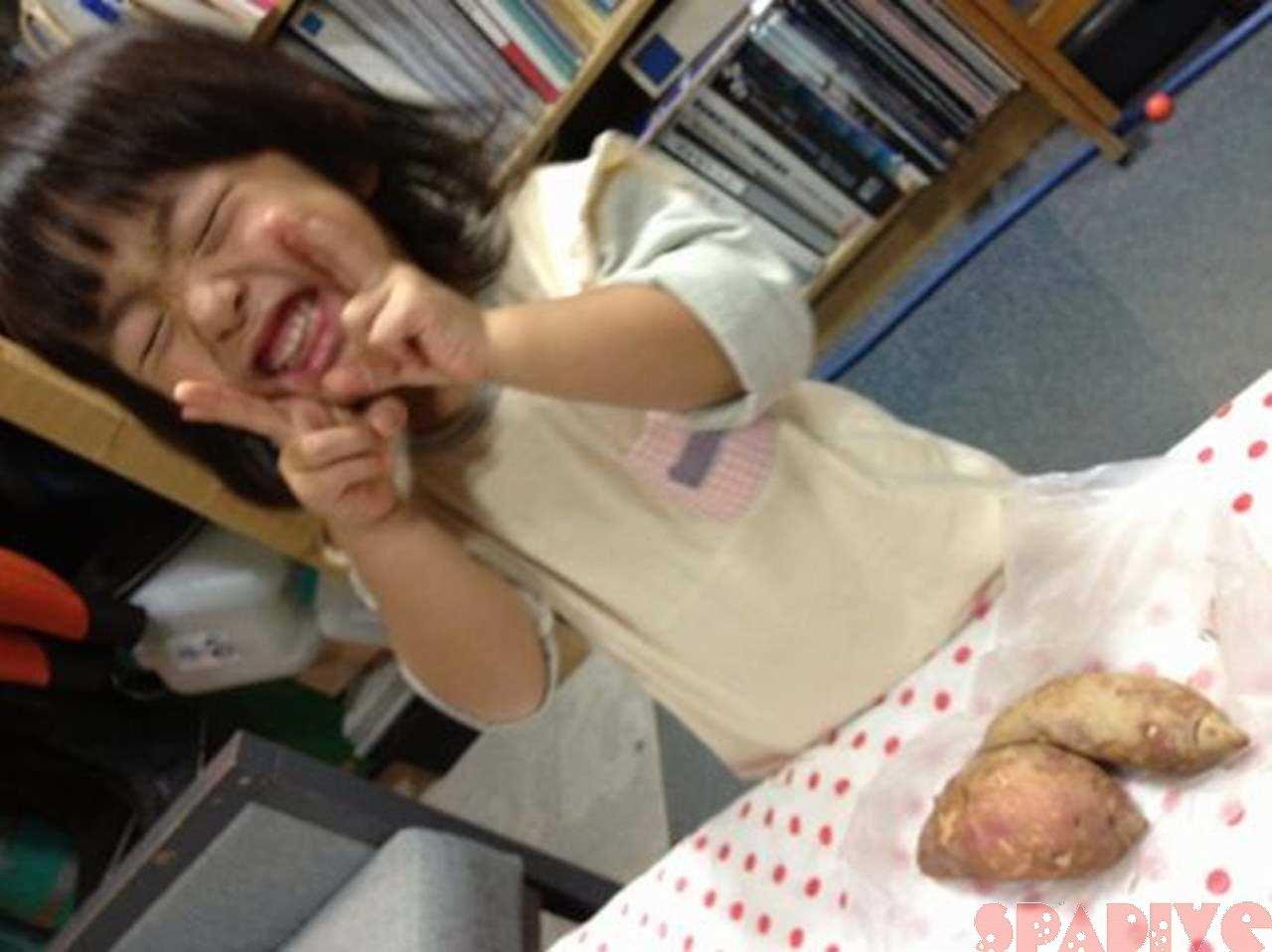 秋です!!サツマイモ掘り遠足 11/7/2011