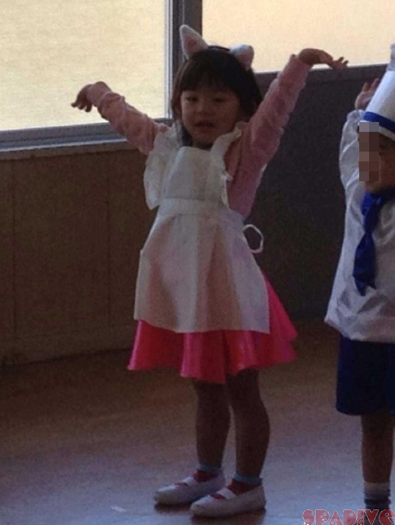 3歳長女の保育園発表会♪ 2/10/2012