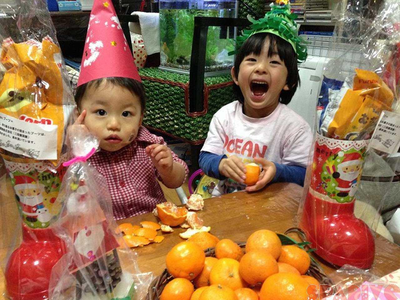 サンタが保育園へやってきた~!!クリスマス会|12/20/2013